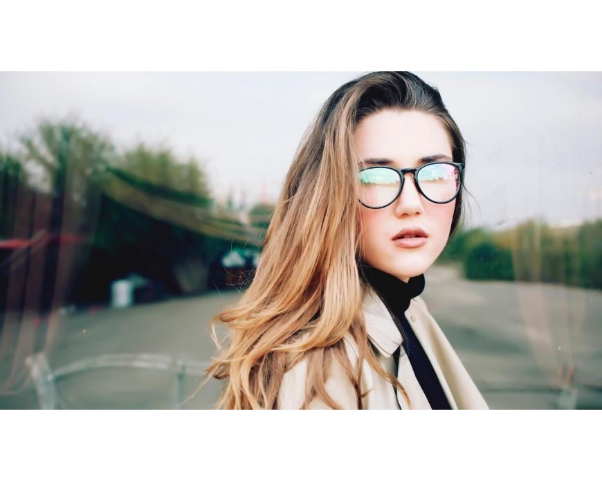 Modelli di Occhiali da Vista per Viso Lungo